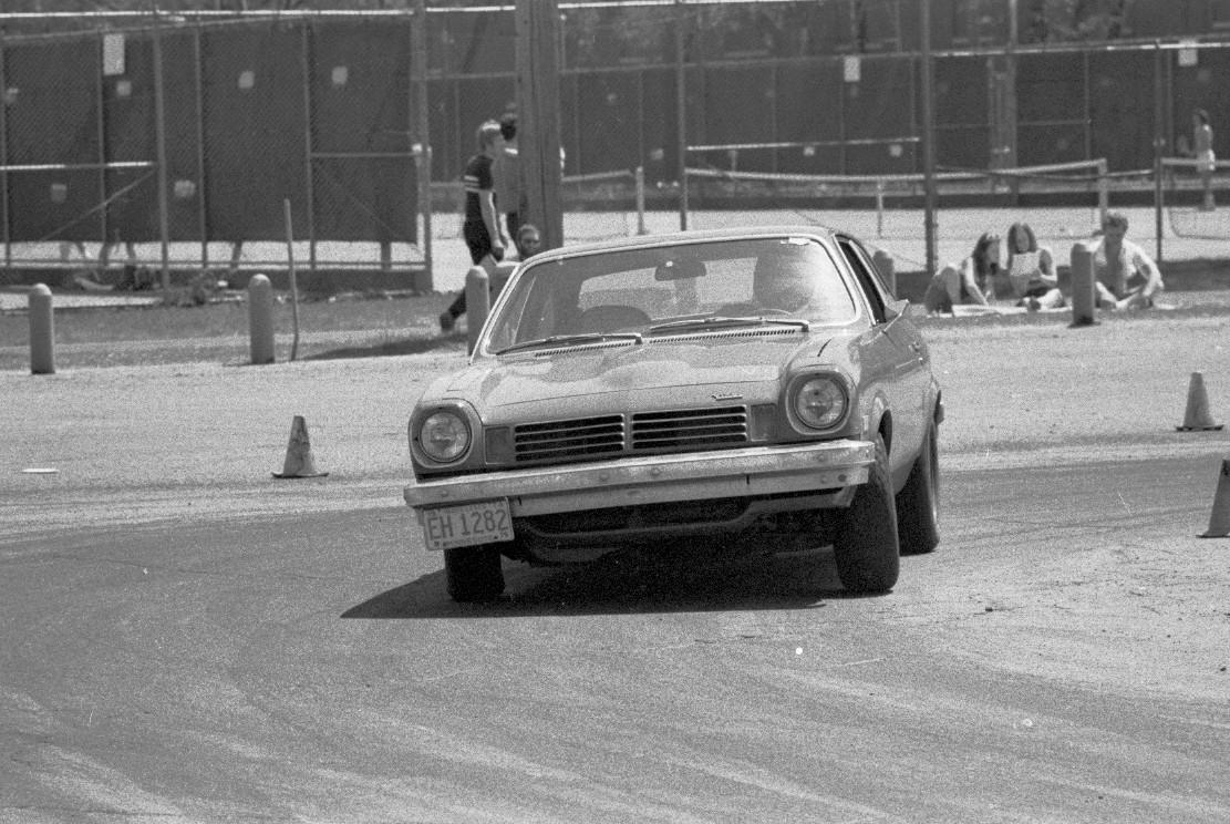 1976-05-09_16_Autocross_Vega.JPG